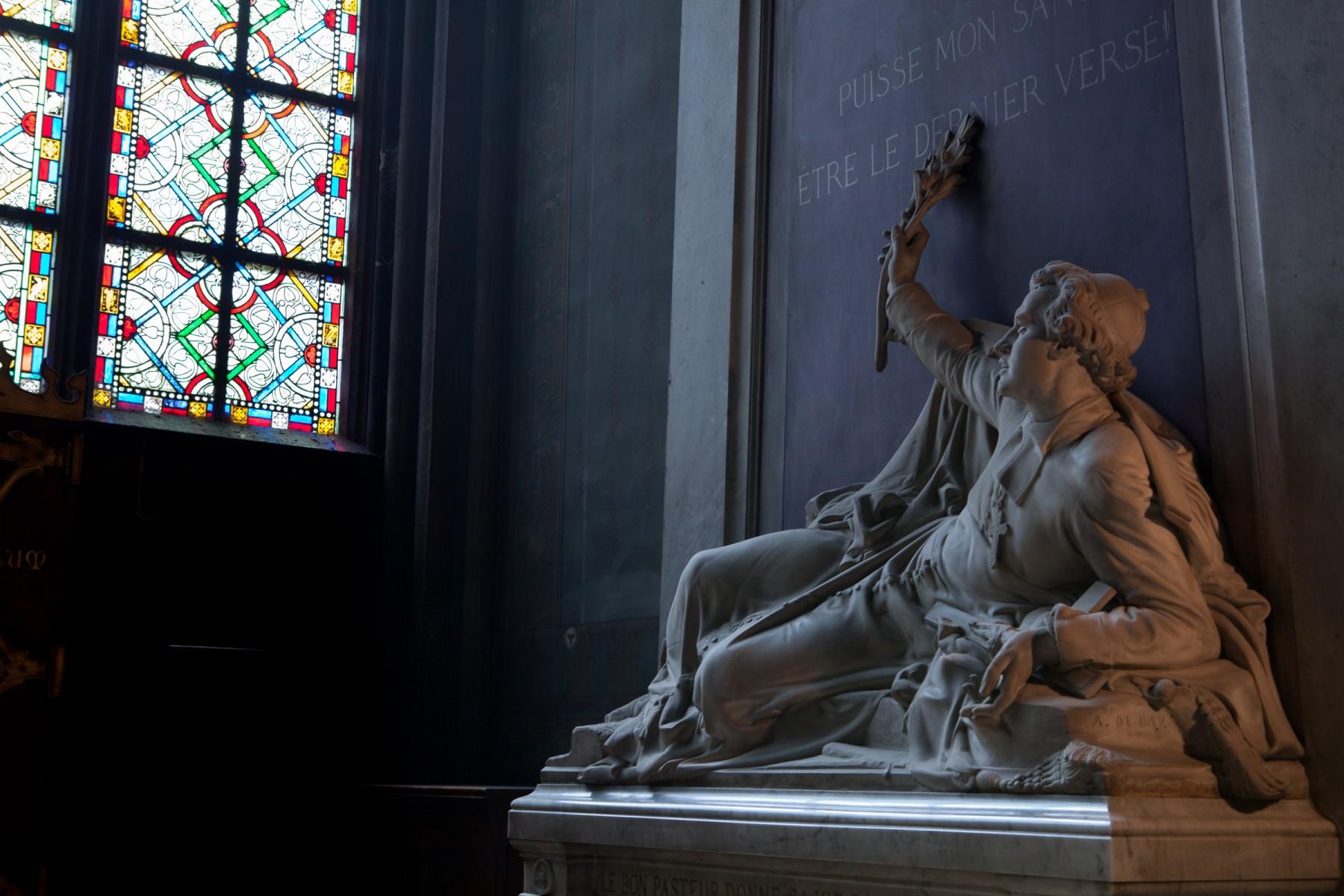 Sculptures inside Notre Dame