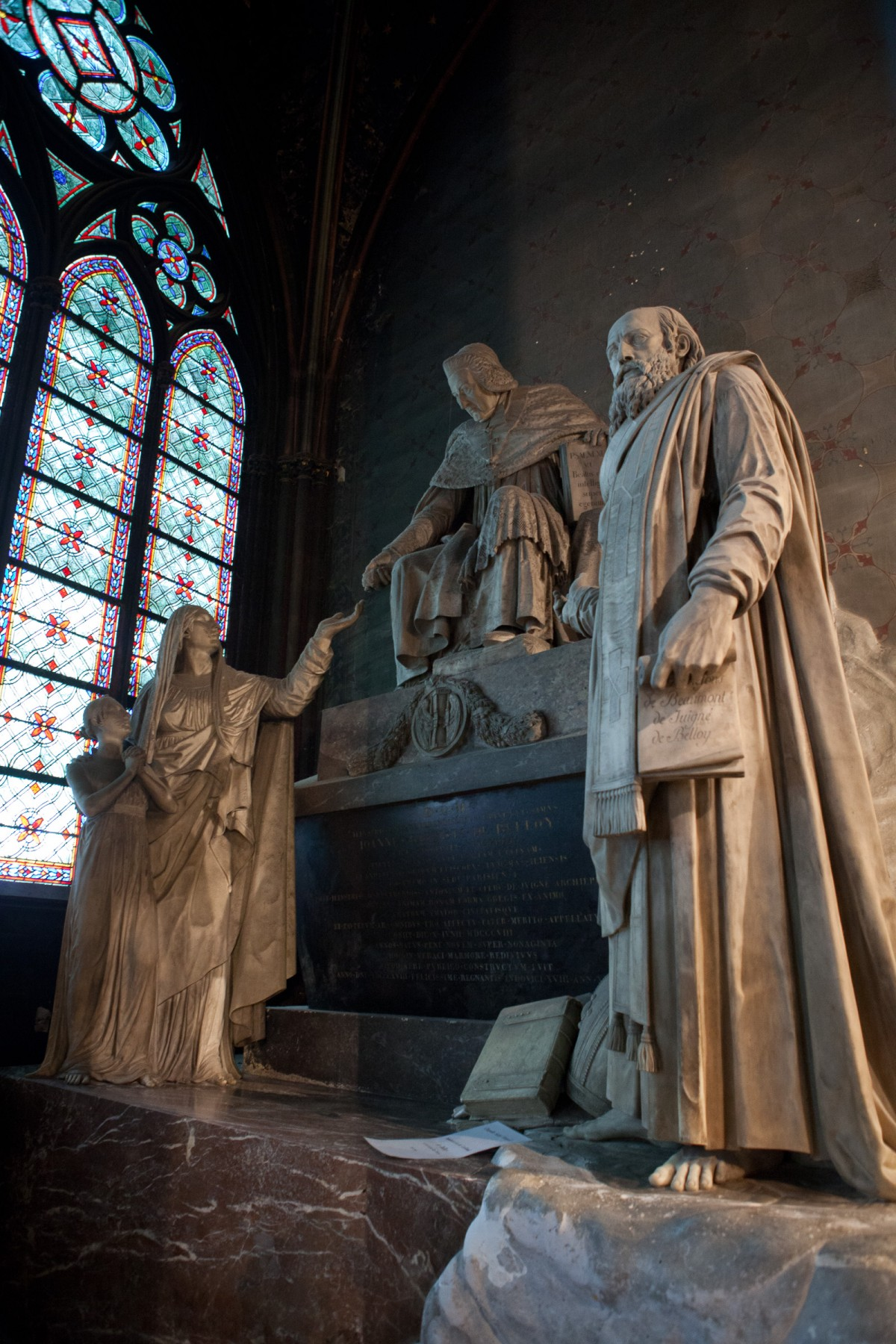 Statues inside Notre Dame