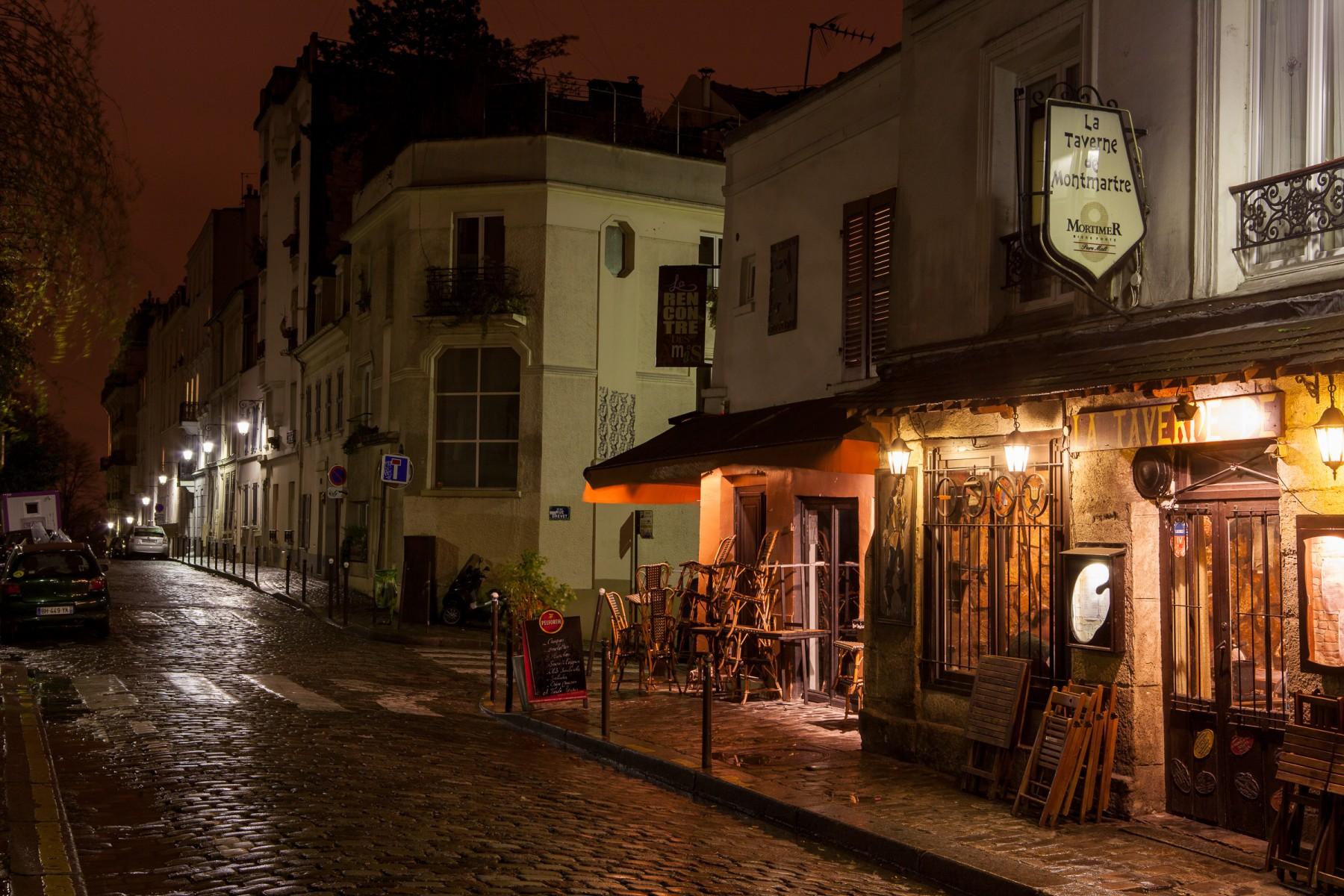 Montmartre Tavern