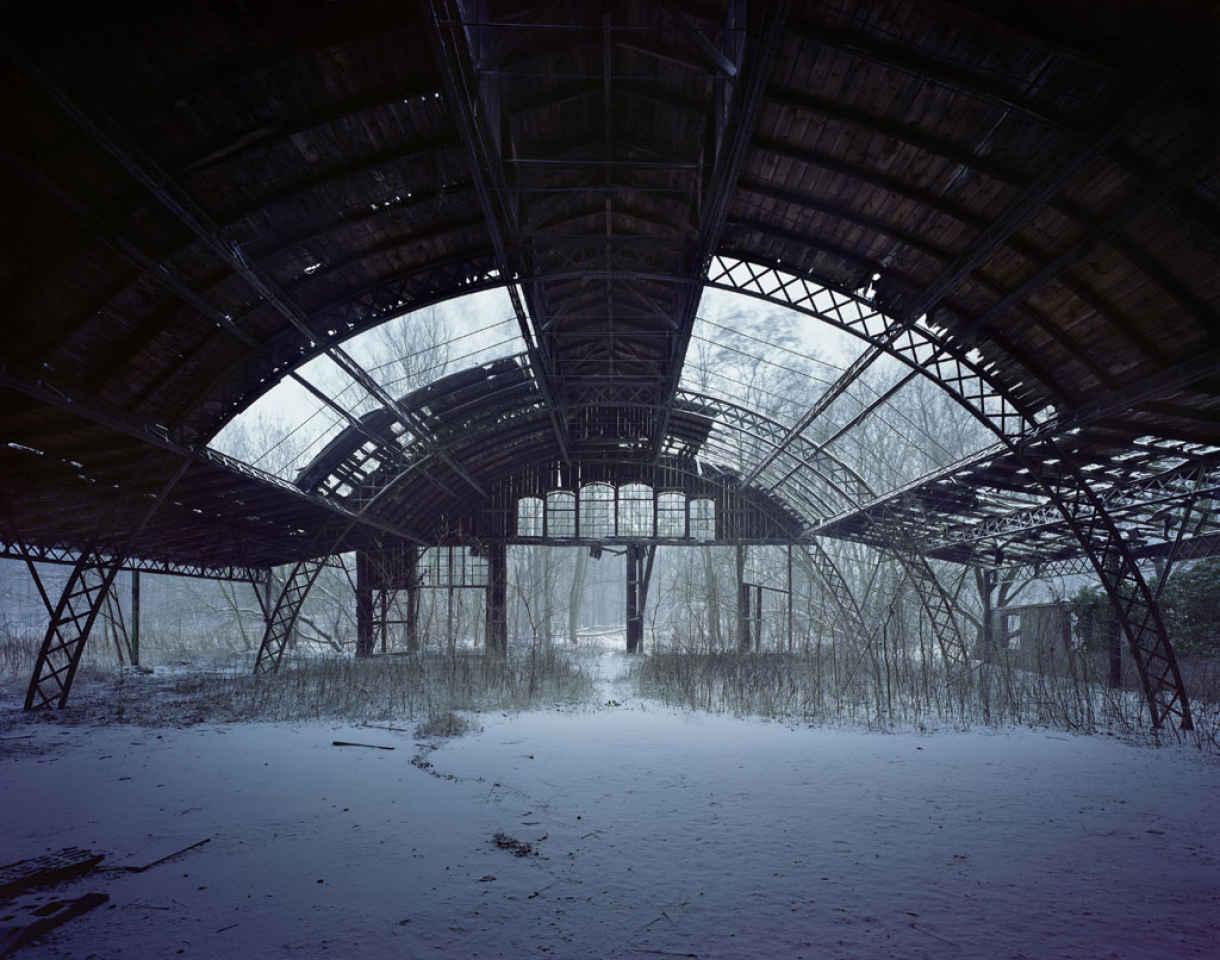 54526b95c28c1hall_borsig-factory_eberswalde-copyright_yves_marchand_romain_meffre-courtesy_polkagalerie