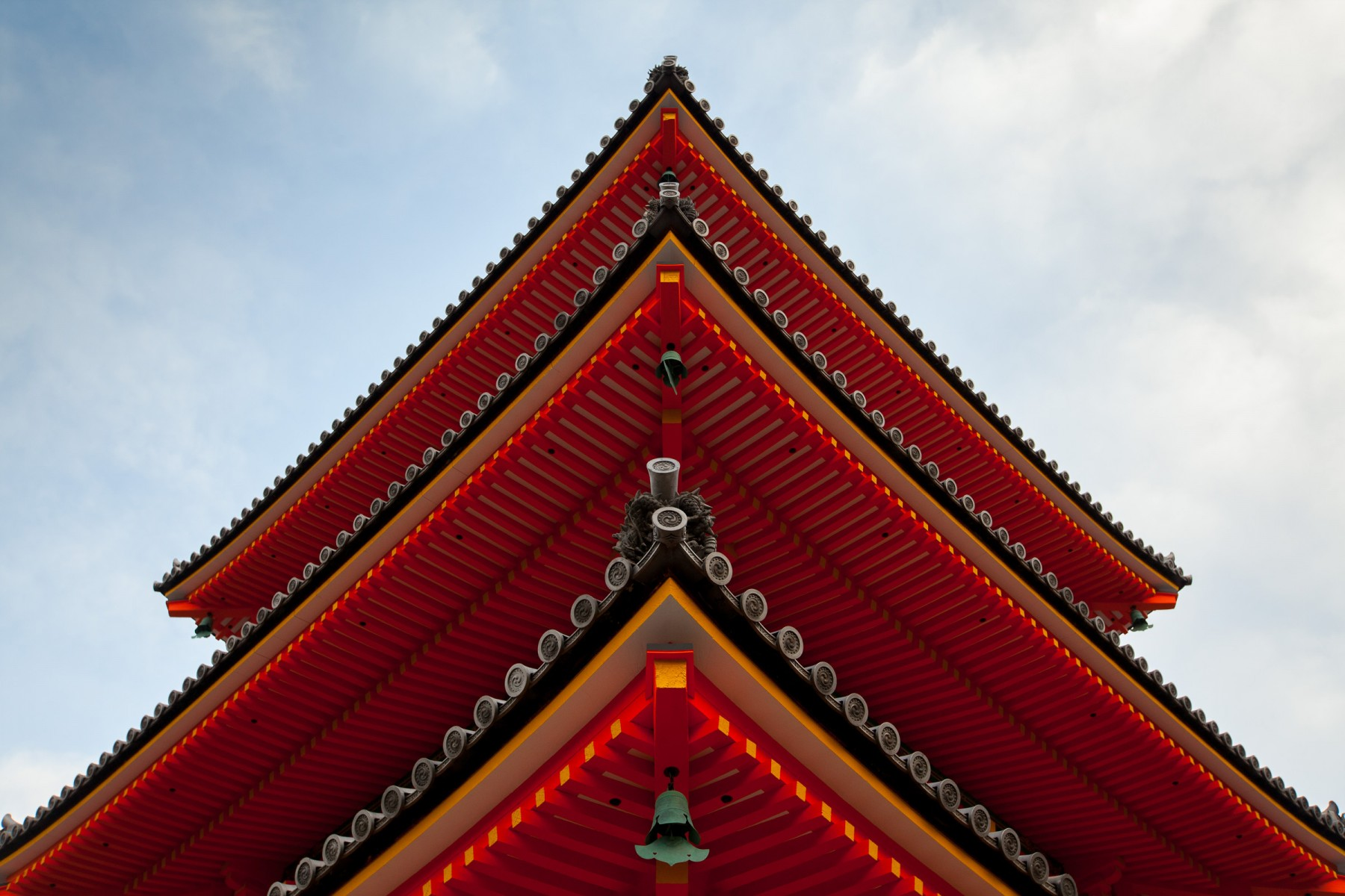 Sanju-no-to (Three Storied Pagaoda) is the tallest three-storied pagoda in Japan. Built in 1633 the bright color is closer in appearance to Buddhist temples and reflects Chinese architectural styles that came to Japan together with Buddhism.