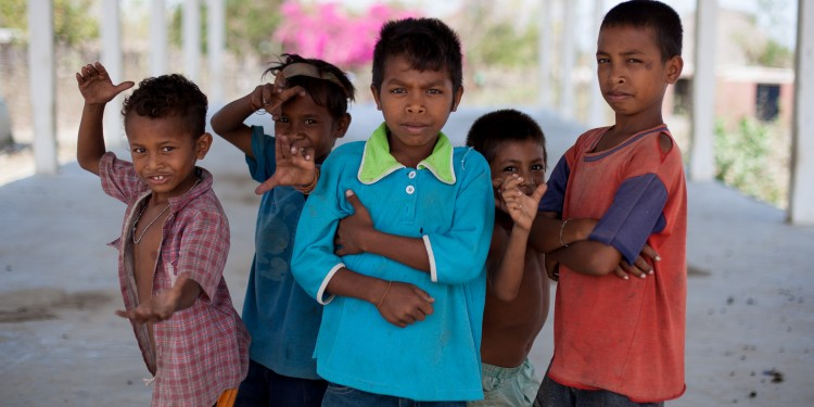 Kids from the village of Zumalai pose for the camera.